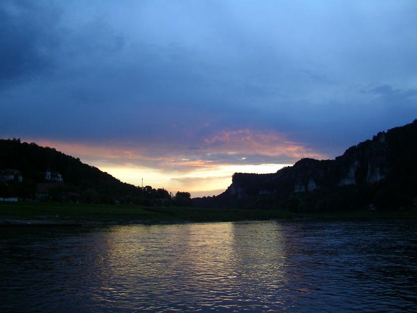 sunset, river elbe, saxon switzerland, elbes sandstone mountains, saxony, eastern germany, offbeat germany, dresden, stadt wehlen