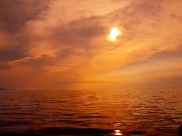 Bunaken, sunset, indonesia, offbeat travel
