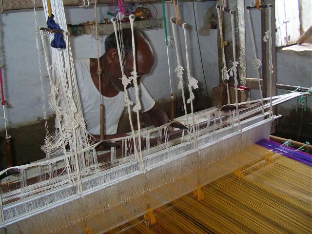 weaver, looms, pranpur, madhya pradesh, chanderi silk, sari making, rural india