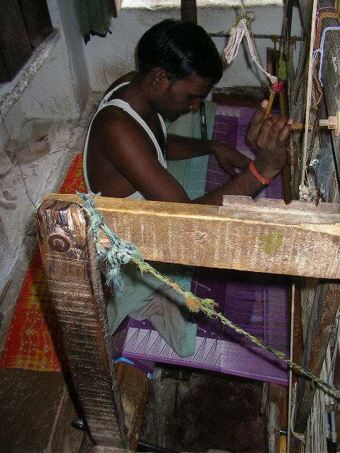 Pranpur, Madhya Pradesh, offbeat travel, India, Chanderi silk, weaver, craft village