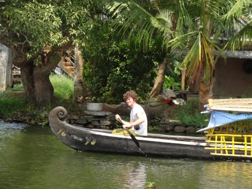 Alleppey, backwaters, kerala, India travel blog, canoe, small boat