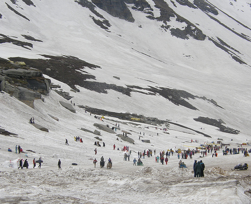 Rohtang Pass, responsible travel, Himalayas, Manali tourism