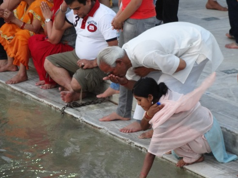 Ganga, Ganges, Rishikesh, aarti, prayers, ecology, drinking water