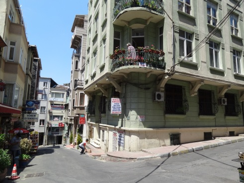 Istanbul Taksim, Ezra suites, Istanbul suites, Beyoglu, Roomorama, Istanbul local, Istanbul where to stay