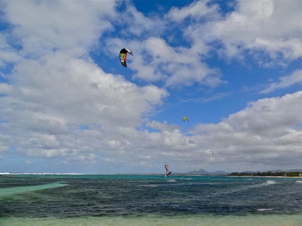 Kitesurf Mauritius, Mauritius kitesurfing, Kite Mauritius, kitesurfing photos