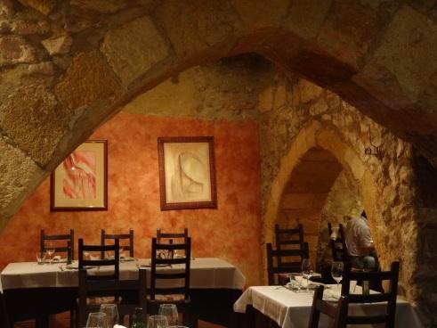 Tarragona things to do, Tarragona photos, Arcs restaurant Tarragona