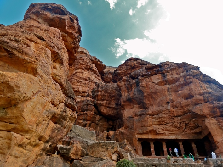 Badami, Badami caves, places to visit Hampi