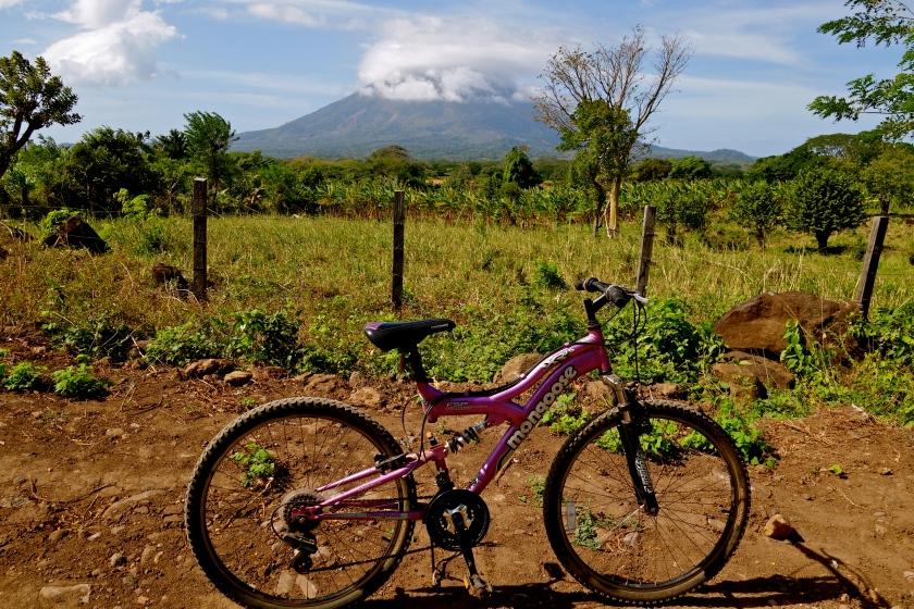 ometepe cycling, isla de ometepe