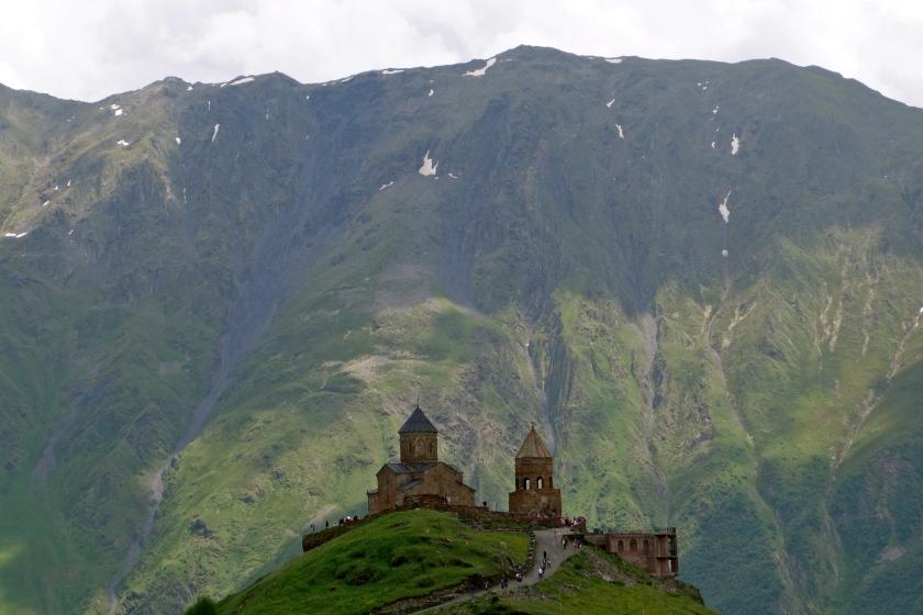 gergeti trinity church, gergeti georgia, georgia country blogs