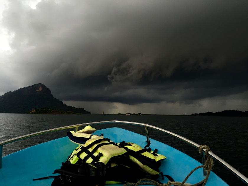 gal oya national park, gal oya boat safari, sri lanka offbeat, sri lanka travel blog