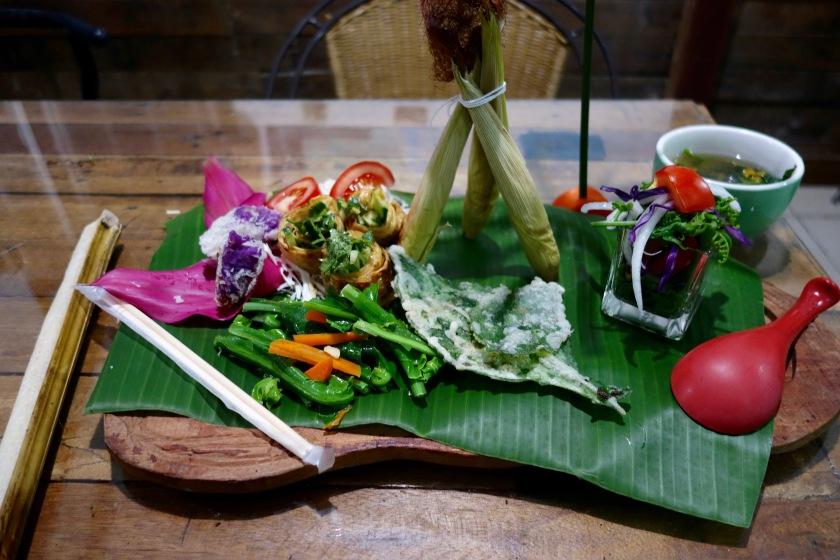 taiwan vegetarian food, vegan taiwan, truku airbnb taiwan